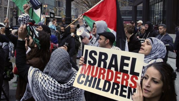 A protest against the bombing of Gaza in Sidney, July 23. (Photo: AFP)