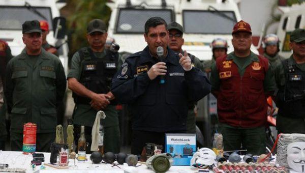 En fotos lo que incautaron en los campamentos de la Quien es el ministro de interior y justicia