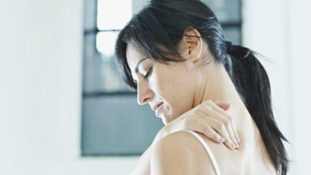 El cinturón elástico para la espalda a los dolores en los riñones