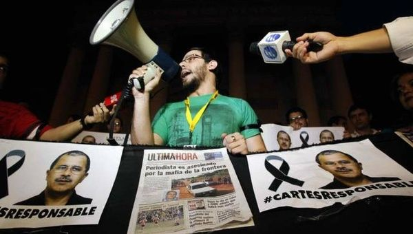 The journalists have been demonstrating since Thursday to demand protection from the government. (Photo: EFE)