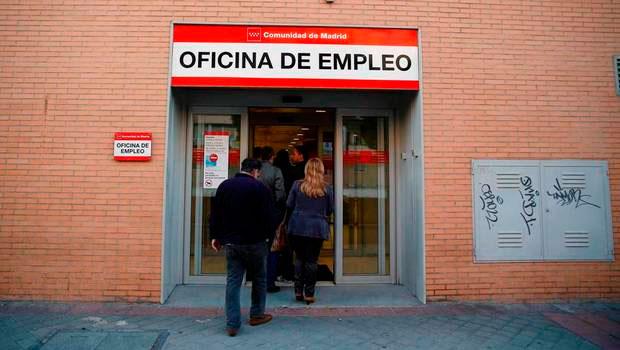 Mayor a de los espa oles desaprueban la gesti n de rajoy for Oficina de desempleo