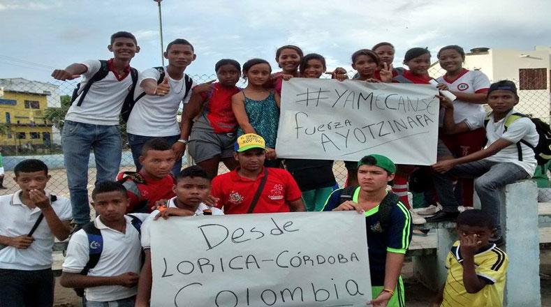 Mientras que en Colombia, manifestaron por que se haga justicia en Ayotzinapa