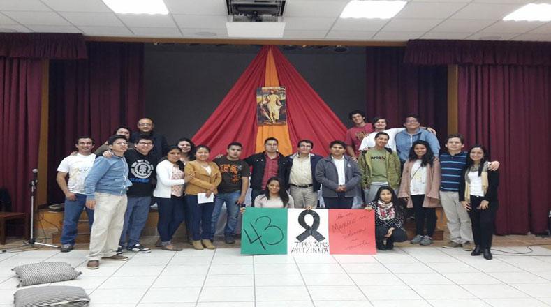 Perú se une al llamado de justicia para Ayotzinapa
