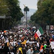 Demonstrators march on Reforma Avenue during a protest in support of 43 missing Ayotzinapa students in Mexico City November 20, 2014. (Photo: Reuters)