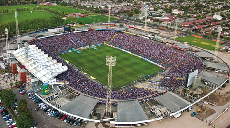 Estadio Monumental, ubicado en Santiago de Chile. Capacidad: 47 mil 347 espectadores.