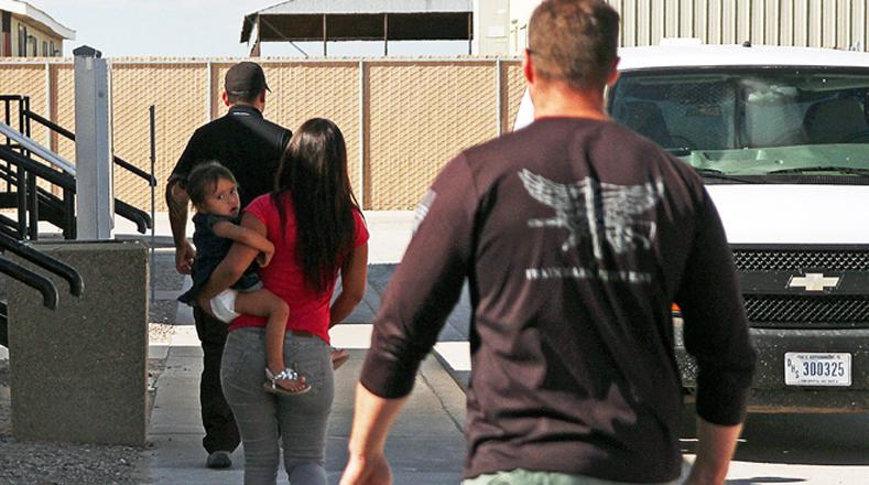 Las medidas migratorias del Gobierno de Obama no amparan a los niños y madres que llegaron recientemente a EE.UU.