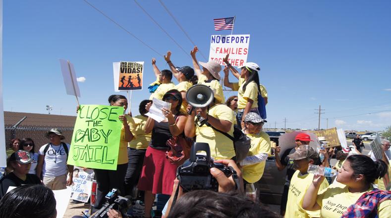 La solidaridad de estos grupos de personas constituye una esperanza para los detenidos.