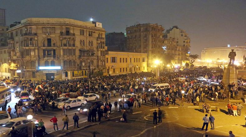 Cientos de manifestantes mostraron su repudio ante la decisión judicial.