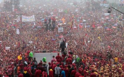 Hugo Chávez speaks to supporters at a massive rally held in Caracas to close the 2012 campaign. (Photo: Archive)