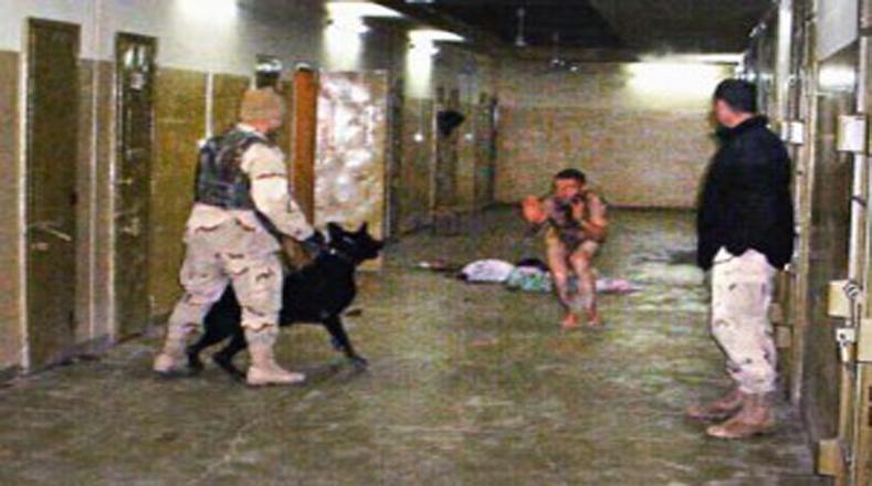 Las torturas de la CIA son ampliamente aplicadas en la prisión Abu Ghraib, en Irak.