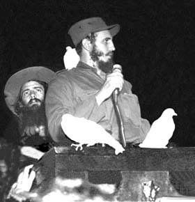 Se inicia el proceso de consolidación de la Revolución. ¿Voy bien, Camilo? - ¡Vas bien Fidel!