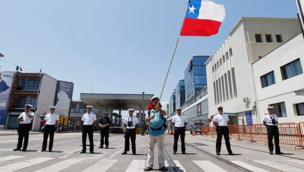 chilean workers A group of scottish factory workers refused to repair warplanes that had arrived  from chile during the 1973 pinochet coup the were told that.