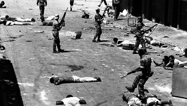 Reportes extraoficiales registran unas dos mil personas fallecidas e innumerables desaparecidos.