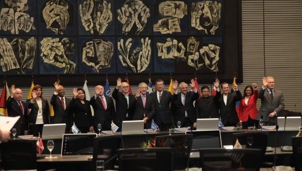 The 12 UNASUR foreign ministers at the summit