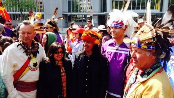 Indigenous people from Haudenosaunee territories in North America met with indigenous people from Ecuador to unite in their struggle against Chevron, April 21, 2015.