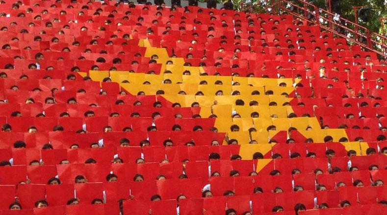 Exaltación revolucionaria en el 40 aniversario de la caída de Saigón en Ciudad Ho Chi Minh (antigua Saigón), Vietnam