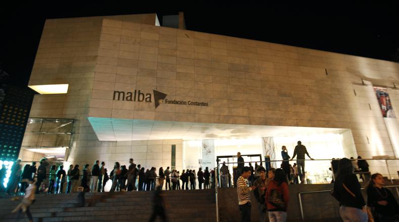 El Museo de Arte Latinoamericano, está ubicado en Buenos Aires y cuenta con un acervo de 400 obras de arte de los artistas modernos y contemporáneos más significativos de la región.