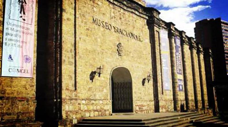 Museo Nacional de Colombia, se localiza en Bogotá es el de mayor antigüedad y tradición en el país. Cuenta con cerca de 20.000 piezas.
