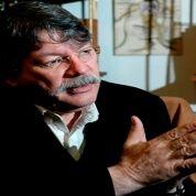 Fernando Buen Abad es doctor en filosofía, semiólogo, escritor, especialista en medios de Comunicación