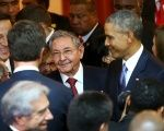 US President Barack Obama and Cuban President Raul Castro during the Americas Summit in Panama