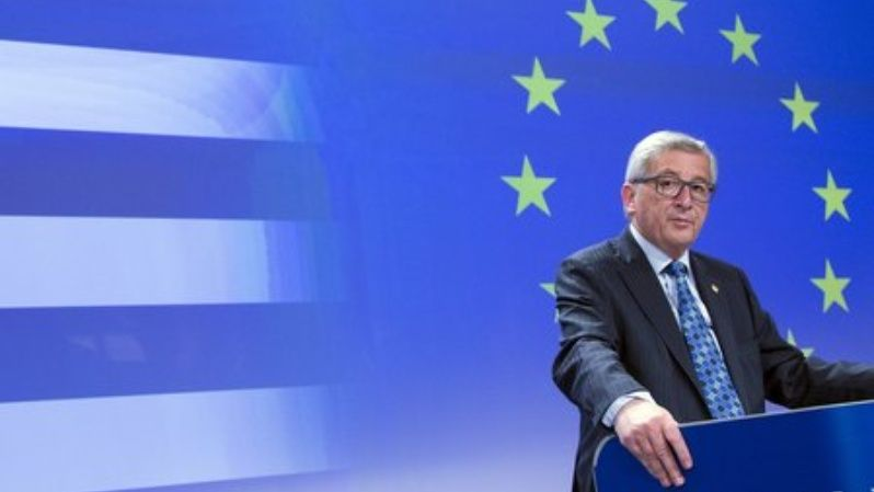 European Commission President Jean-Claude Juncker gives a statement on the situation on the situation in Greece, at the EU commission headquarters in Brussels, Belgium June 29, 2015.