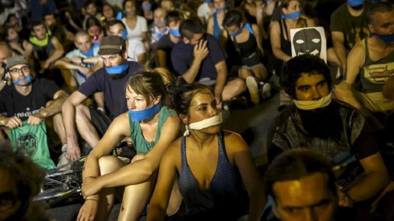 Halkı Susturmaya Yönelik Güvenlik Yasasına Karşı İspanya Sokaktaydı