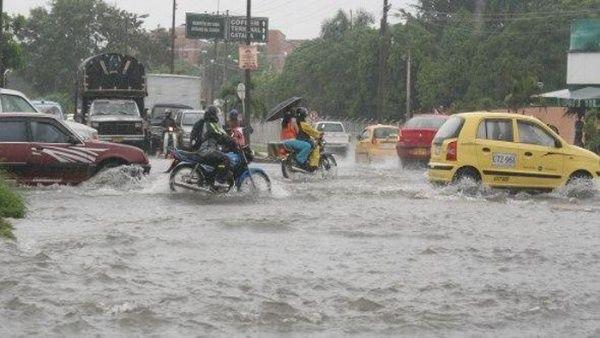 Resultado de imagen para declaran emergencia nacional por lluvia en republica dominicana