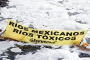 Mexican rivers record high levels of contamination, especially because of the textile industry.
