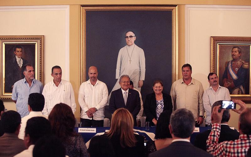 Finaliza visita de antiterroristas cubanos a El Salvador