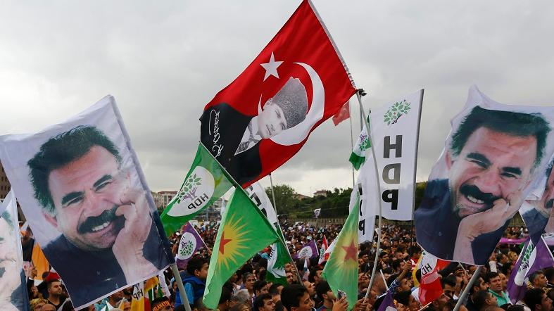 http://www.telesurtv.net/__export/1438142884584/sites/telesur/img/news/2015/07/28/turkey_pkk_ocalan_history_crop1438142841148.jpg