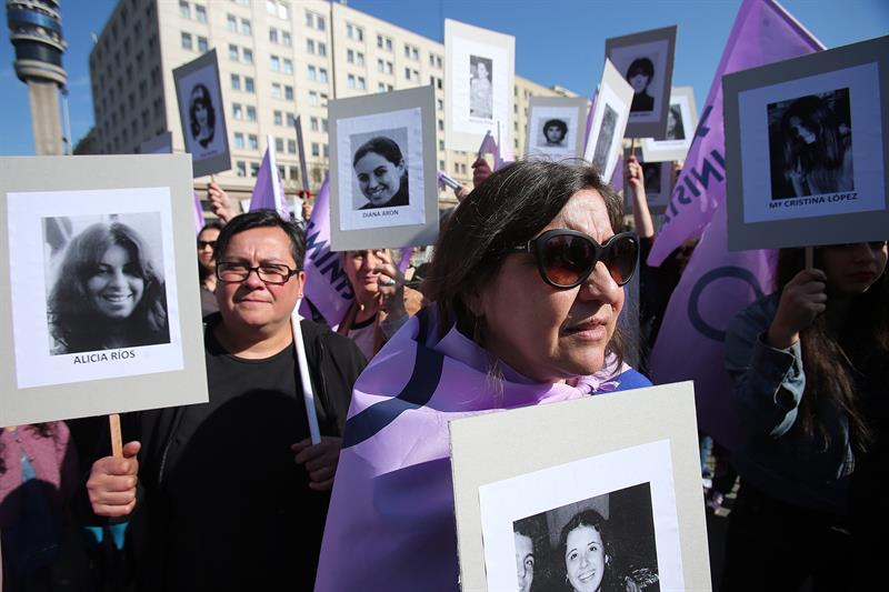 Şili: Pinochet Kurbanları İçin Adalet İsteyenler Sokakları Doldurdu