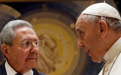 Pope Francis meets Cuban President Raul Castro during a private audience at the Vatican May 10, 2015.