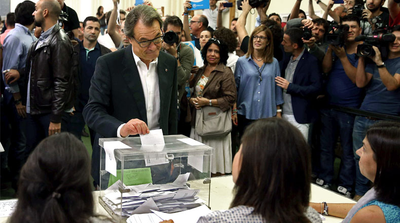 Then Catalan president Artur Mas called for and participated in the vote, despite court order deeming the referendum to be illegal.