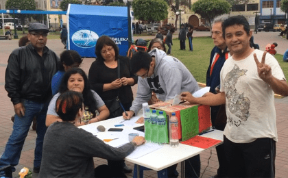 Peruvian citizens voting in the Frente Amplio primaries