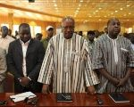 Roch Marc Christian Kabore (C) attends a ceremony marking the return of the transitional government in Ouagadougou, Burkina Faso, Sept. 23, 2015.