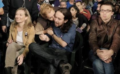 Podemos leader Pablo Iglesias gets a kiss from a supporter at a campaign event in Gran Canaria.