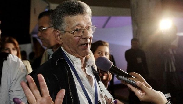 Venezuelan Opposition politician Henry Ramos Allup addresses media outlets in Caracas Venezuela, Dec. 6, 2015.