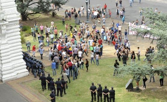 f139fe5097 Varios empleados resultaron heridos durante las manifestaciones.