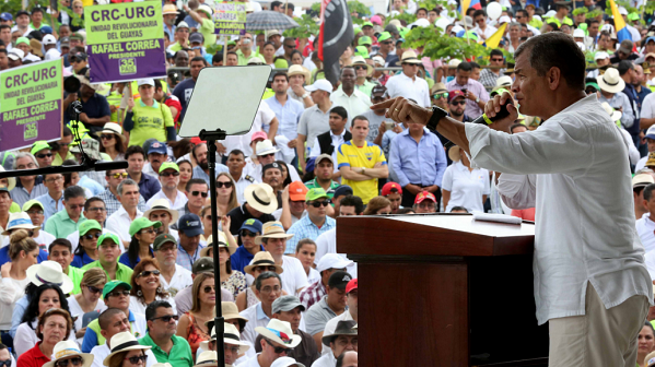 President Rafael Correa giving a speech in Guayaquil to celebrate the 9th anniversary of the Citizens' Revolution.
