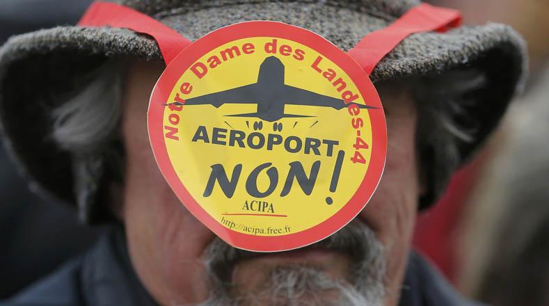 Ecologistas franceses se unieron a las movilizaciones en contra del nuevo aeropuerto.