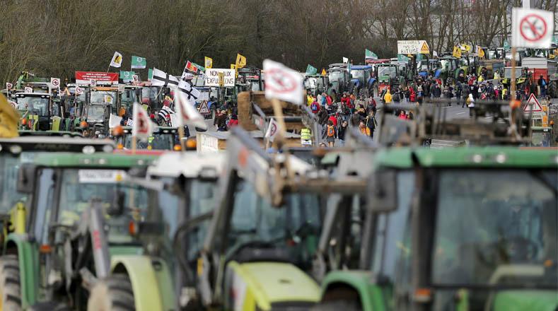 La movilización campesina avanza por las principales ciudades de Francia.