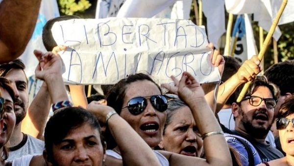 Arjantin: Macri Döneminin İlk Politik Tutsağı İçin Mayo Meydanı İşgal Edildi