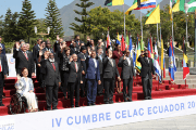 Latin American and Caribbean heads of state and representatives pose for a photo during the CELAC Summit in Quito, Ecuador, Jan. 27, 2016.