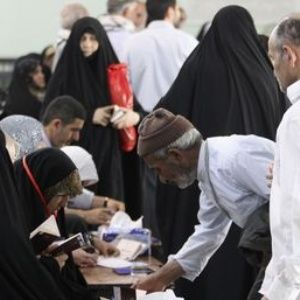 Irán: Más asientos moderados en el parlamento