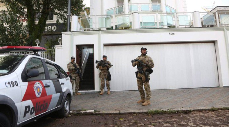 La polícia federal de Brasil realizó la mañana de este viernes un allanamiento en la residencia del expresidente.