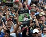 Thousands bid farewell to Berta Caceres in her hometown La Esperanza.