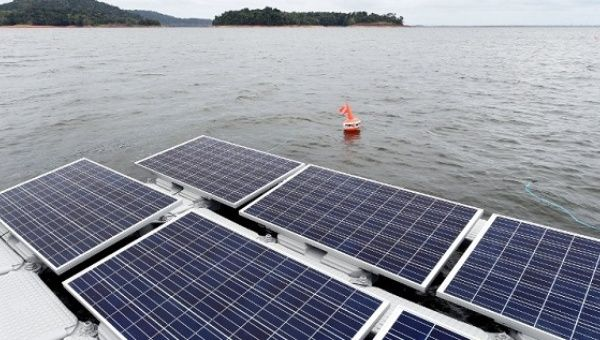 The floating solar photovoltaic panels, installed in the Balbina Lake reservoir in the Amazon, was created when the Balbina hydroelectric dam and power station was built in 1989.