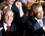 Raul Castro and Barack Obama ahead of historic U.S.-Cuba talks at Summit of the Americas, April 2015.  Photo: Reuters