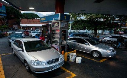 La gasolina inunda la segunda cámara del carburador la causa