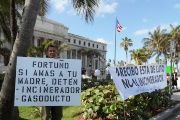 Protest against the proposed incinerator in the Puerto Rican capital of San Juan.